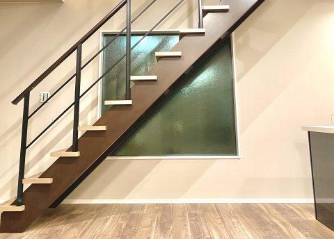 直線階段|千葉 内装・リフォーム